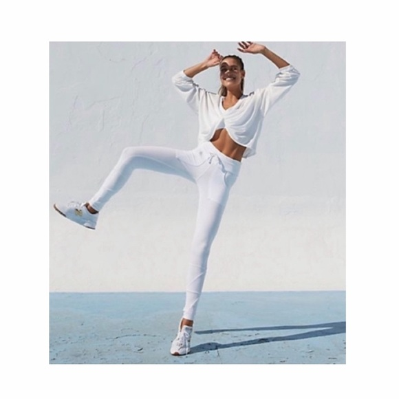 Free People Pants - Free People Kyoto High Rise Leggings in White.